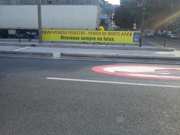 Aviso ao Pedestre