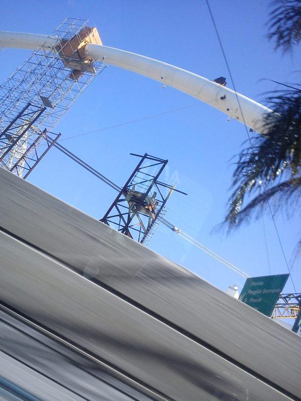 Arco Estaiado Avenida Brasil