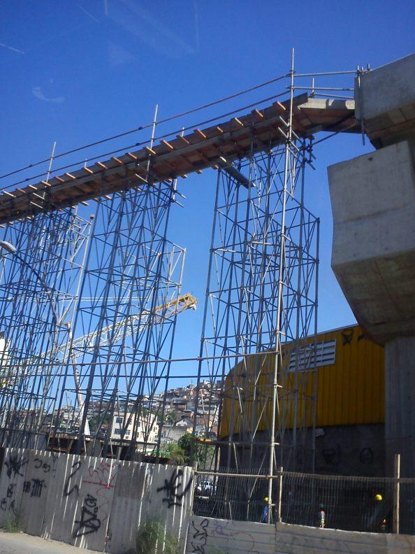 Viaduto Avenida Brasil Transcarioca