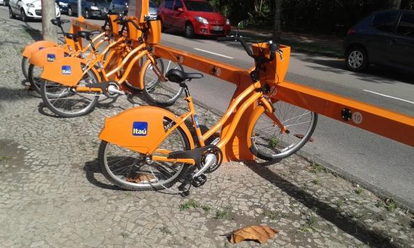 Infelizmente, uma das bicicletas já estava destruída