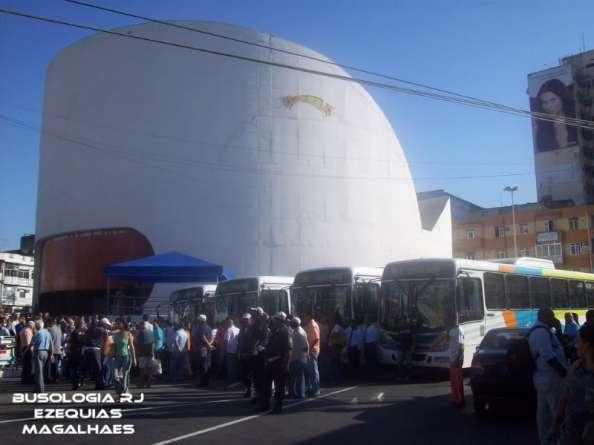 Inauguração da linha 415T Caxias x Barra, em 2008. Foto retirada do Busologia RJ