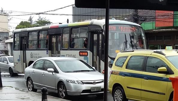 877A já foi vista nas ruas, substituindo o 734